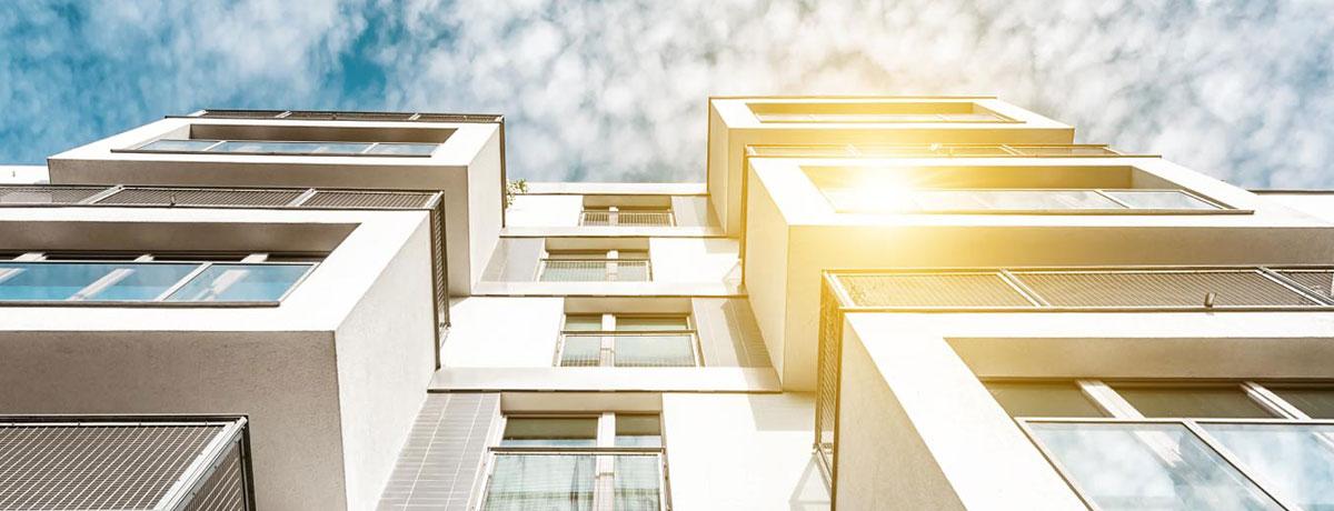 καθαρισμός και άσπρισμα φωταγωγού attic building services αθήνα